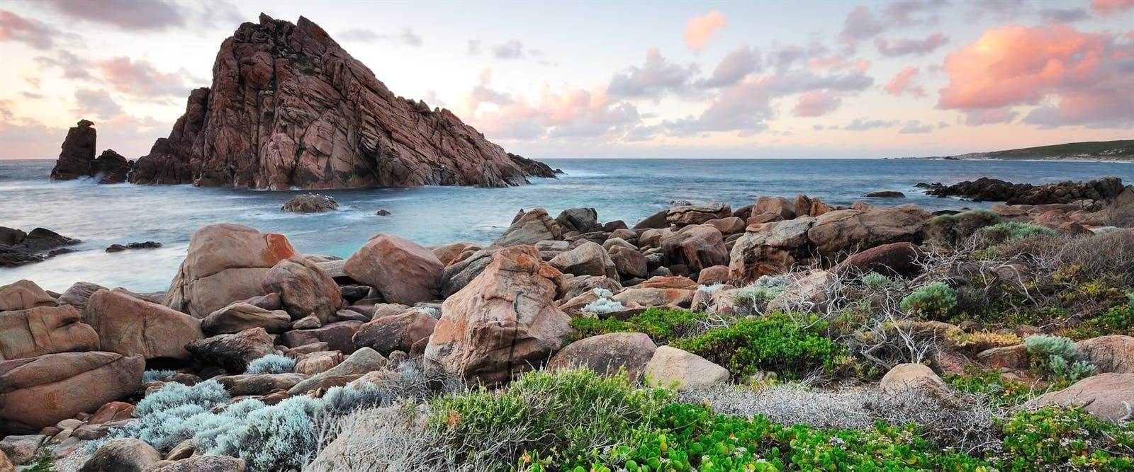 view of sugar loaf rock at cape naturaliste