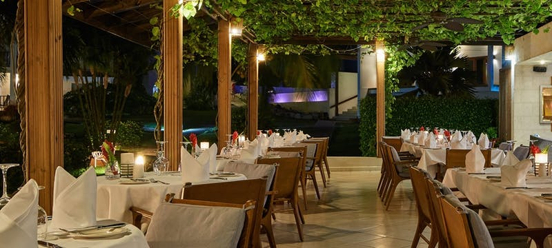 Elegant yet casual dining at Rhodes restaurant at Calabash Luxury Boutique Hotel & Spa
