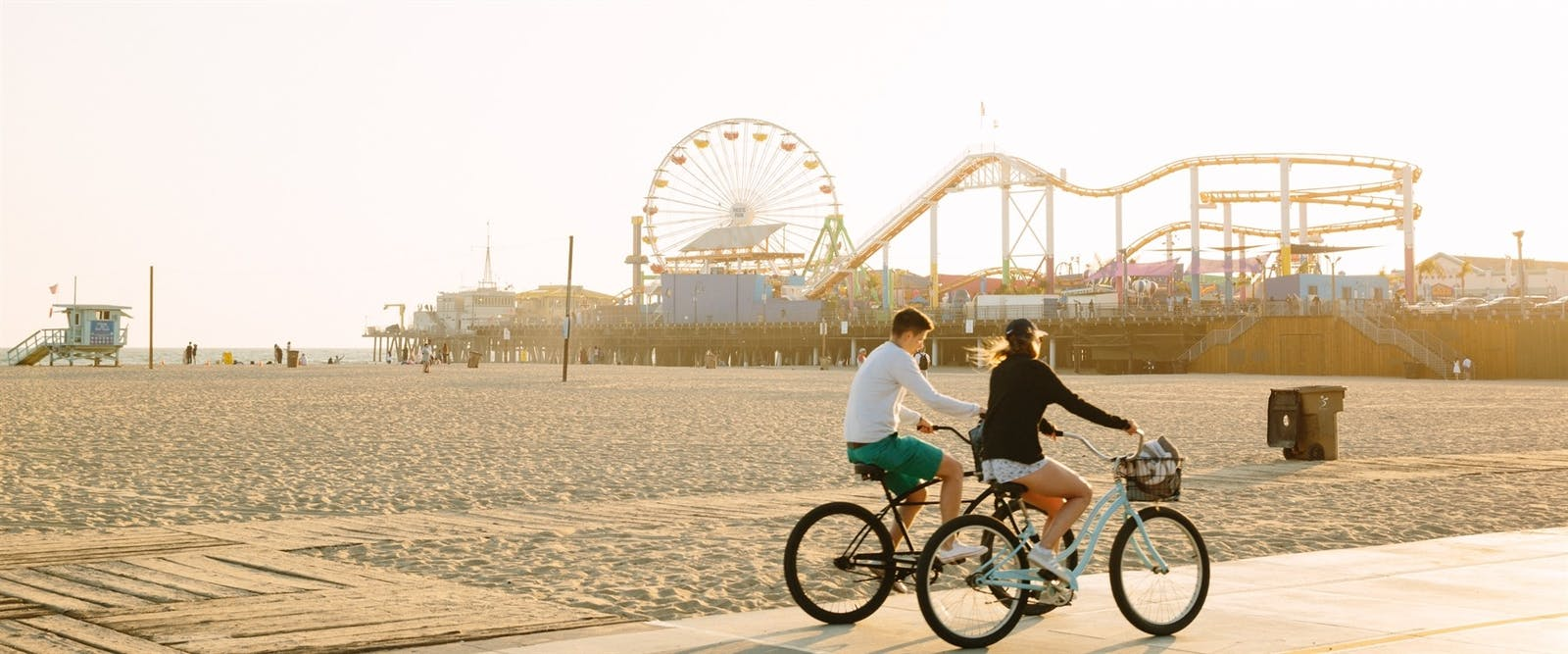 bike ride along santa monica boardwalk
