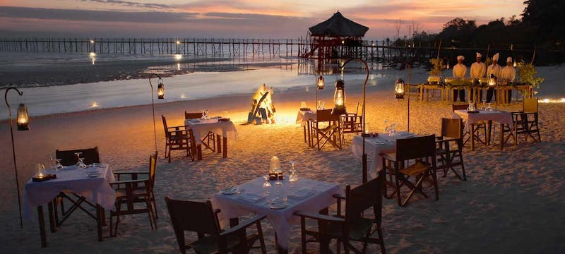 Beach side dining at Fundu Lagoon
