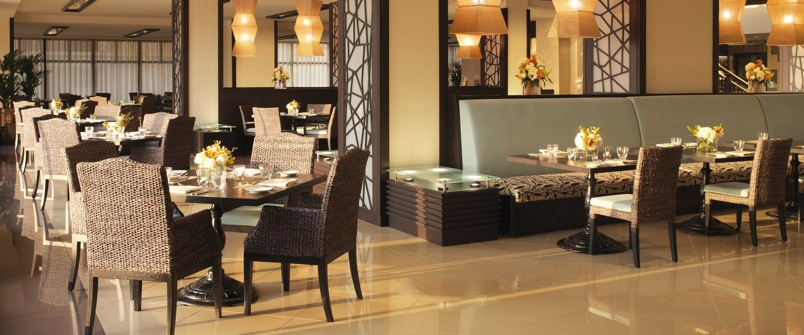 Crescendo Restaurant at Anantara Dubai The Palm Resort & Spa
