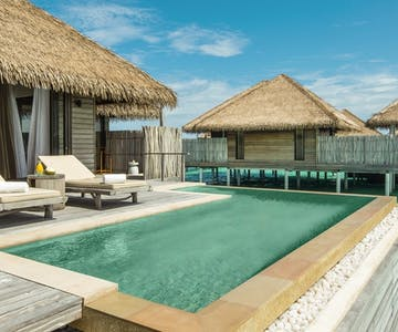 Experience barefoot chic in the Maldives at this tropical resort, home to a private house reef<place>COMO Maalifushi </place><fomo>248</fomo>