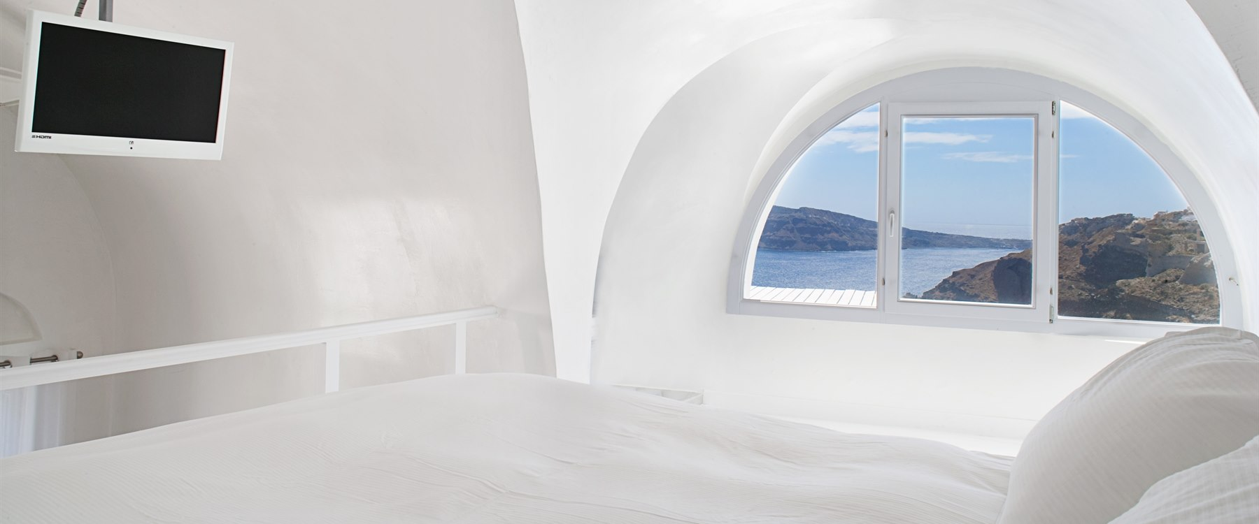 suite at Katikies, Santorini