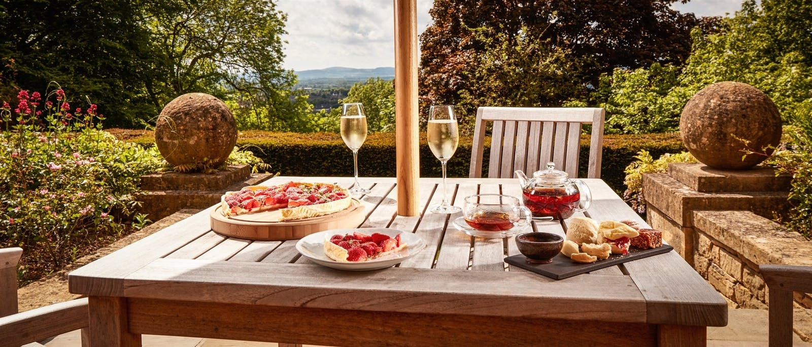 Outdoor Dining at Foxhill Manor, Farncombe Estate, England, UK