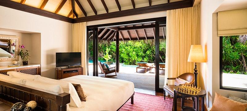 Residence Bedroom at Anantara Kihavah Villas, Maldives
