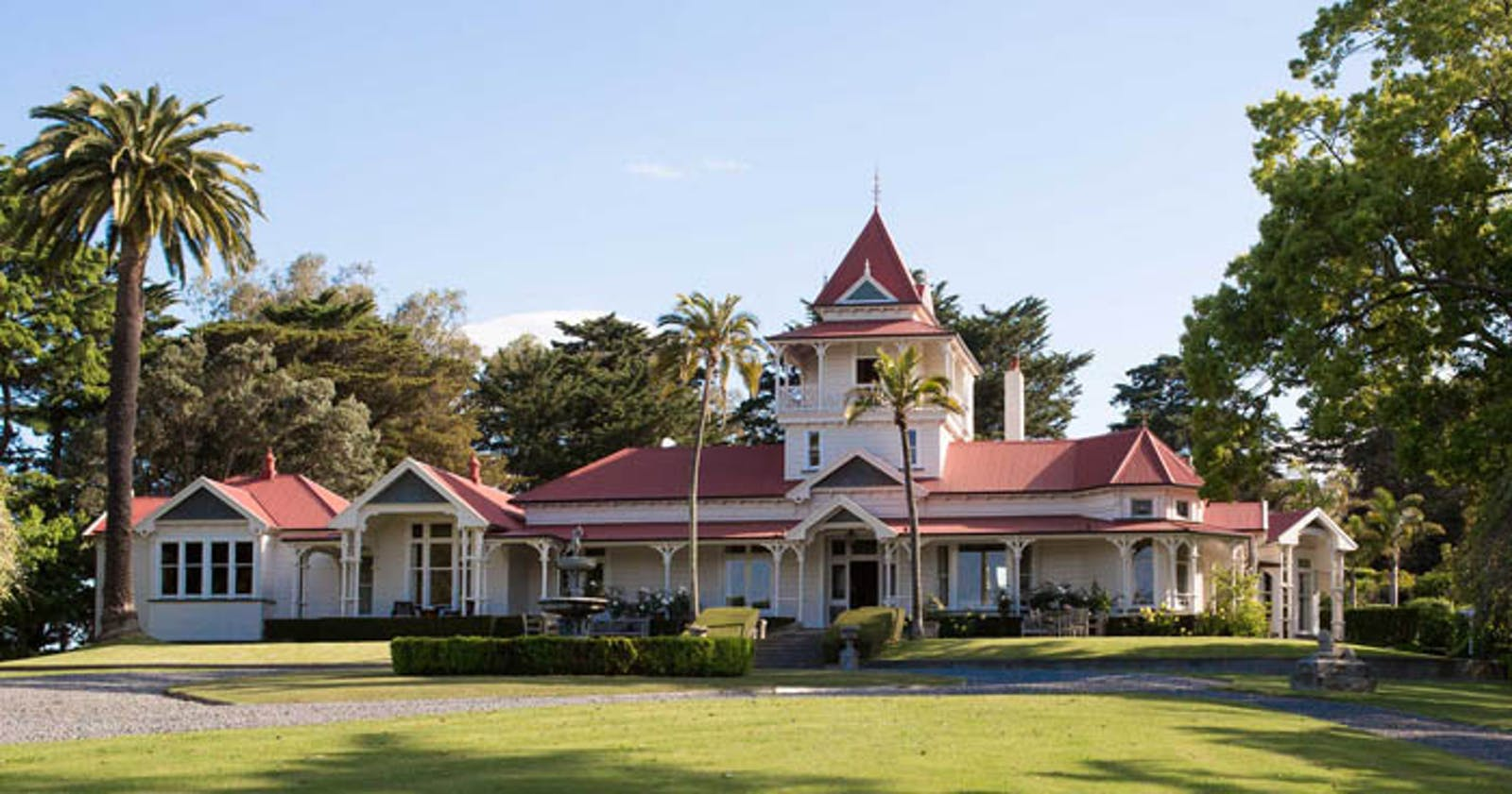 Exterior of Greenhill Lodge, New Zealand