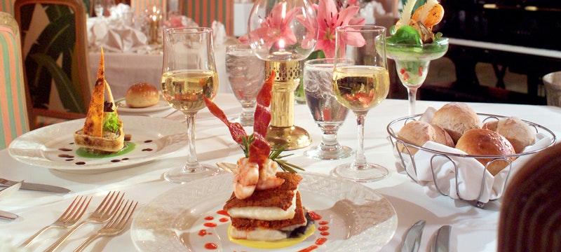 Elegant casual dining at Cambridge Beaches Resort & Spa, Bermuda