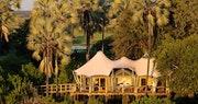 Luxury tree house chalet at Kwetsani Camp, Bostwana