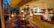 Luxury En-Suite bedroom at Zarafa Camp, Bostwana