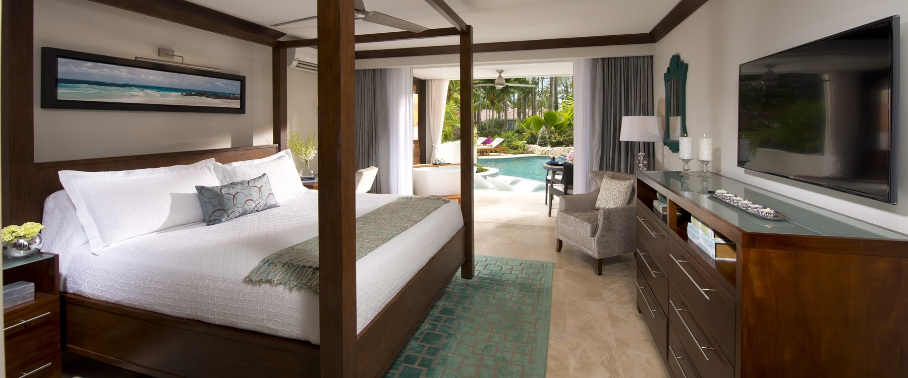 Crystal Lagoon Swim Up Bedroom at Sandals, Barbados