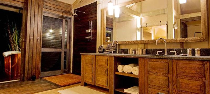 Lodge bathroom at Abu Camp, Bostwana