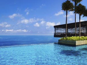 Infinity Swimming pool at Alila Villas Uluwatu