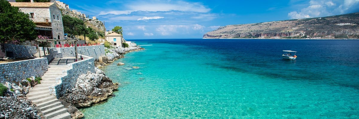 luxury holidays to peloponnese greece