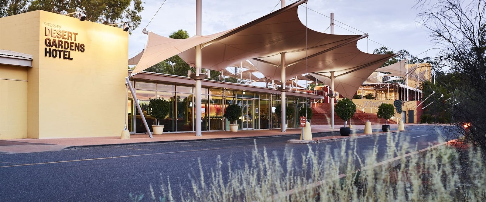 Voyages desert gardens hotel northern territory world Alice springs swimming pool opening hours