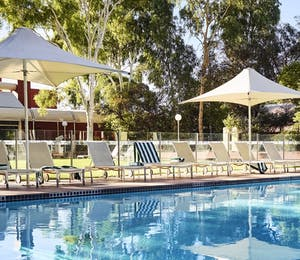 Swimming pool, Voyages Desert Gardens Hotel
