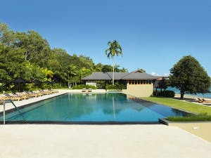Swimming pool, qualia, hamilton island