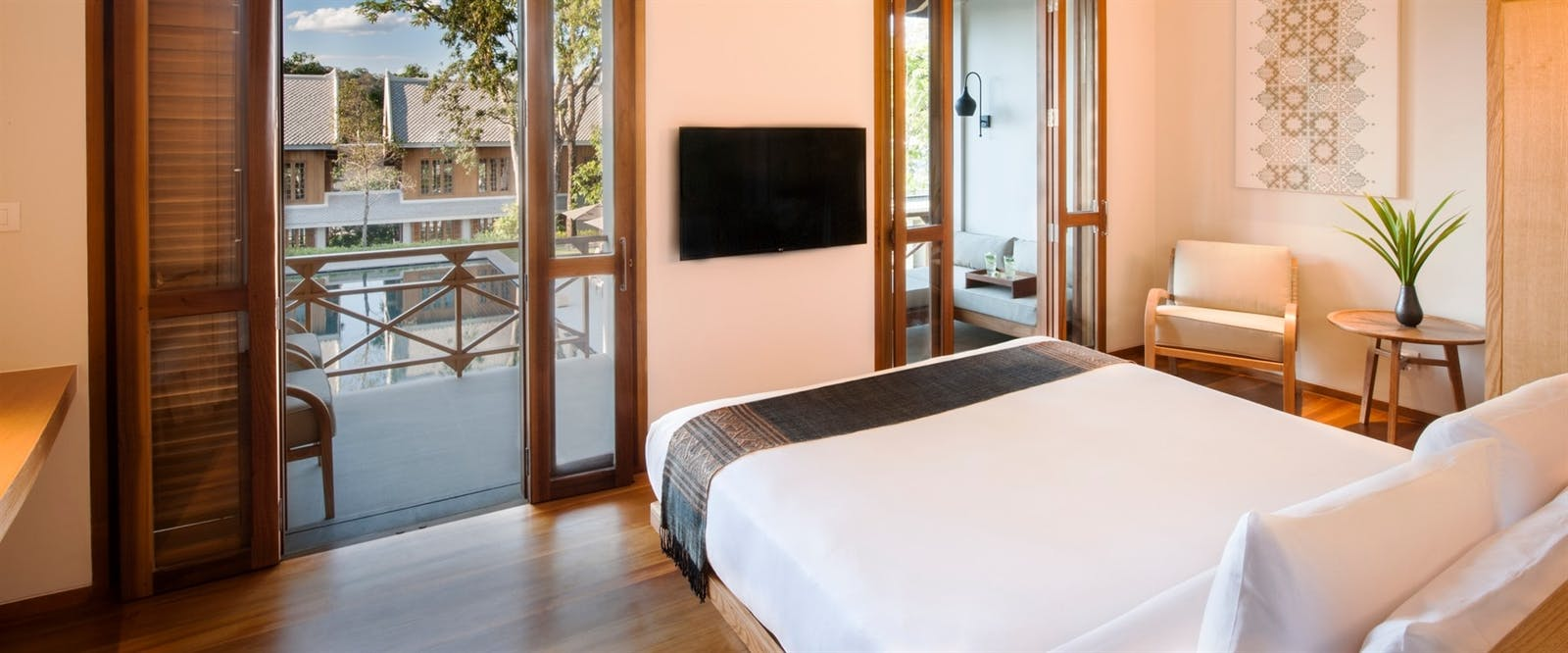 Avani luang prabang laos world renowned luxury hotel - Settha palace hotel swimming pool ...