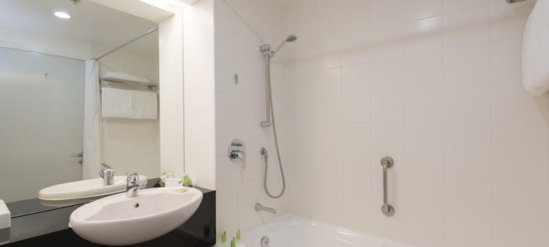 Guest bathroom at Scenic Hotel Te Pania, Napier & Hawke's Bay