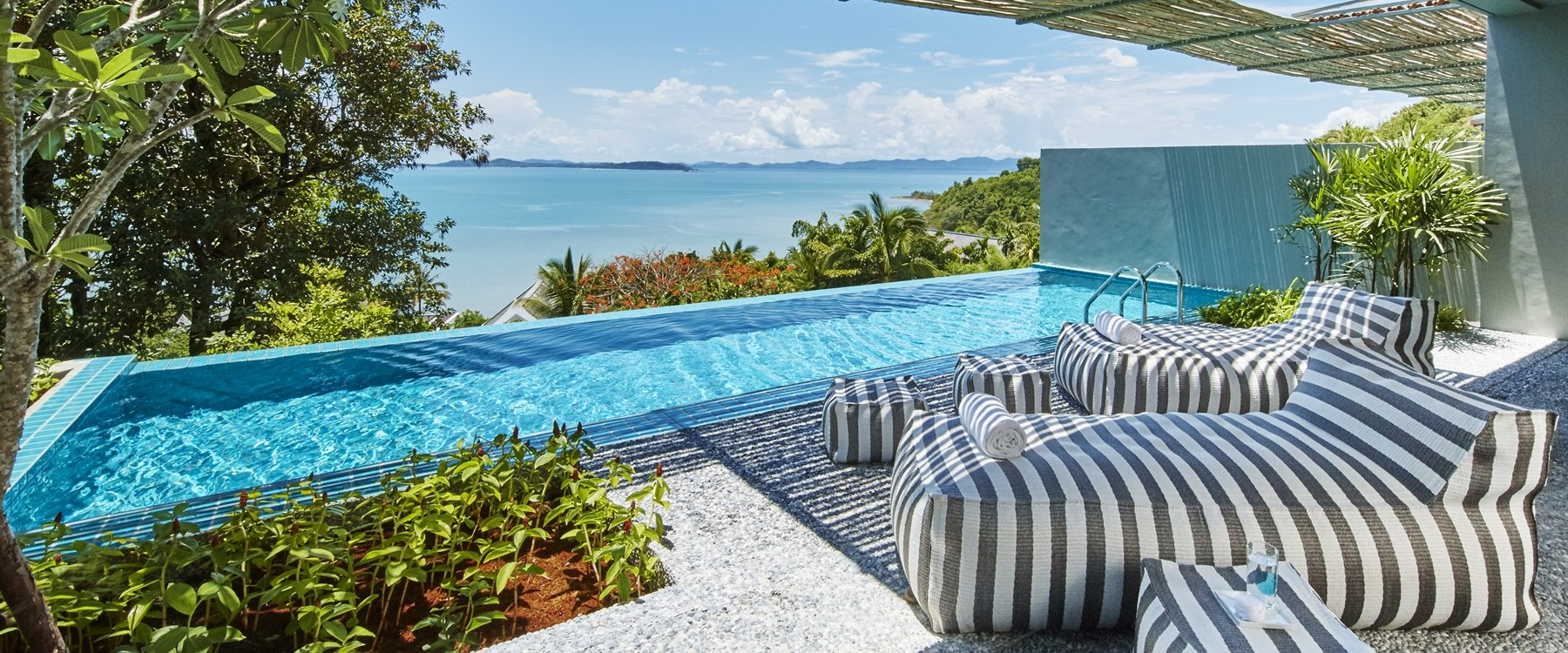 bay suite pool  at point yamu by como