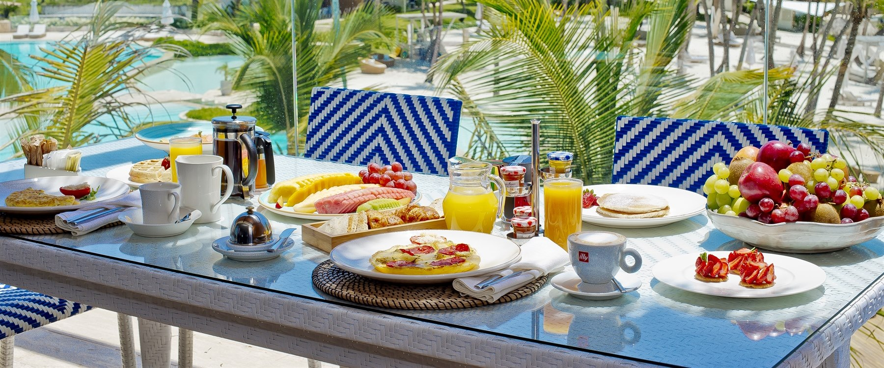 Breakfast at Beachfront Suite