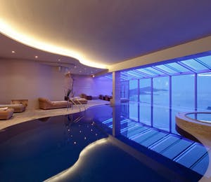 Indoor pool, Hotel Bellevue