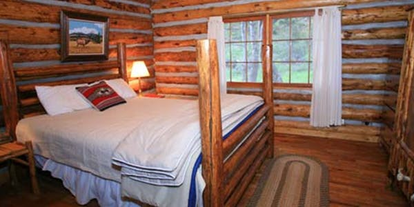 lodges and cabins