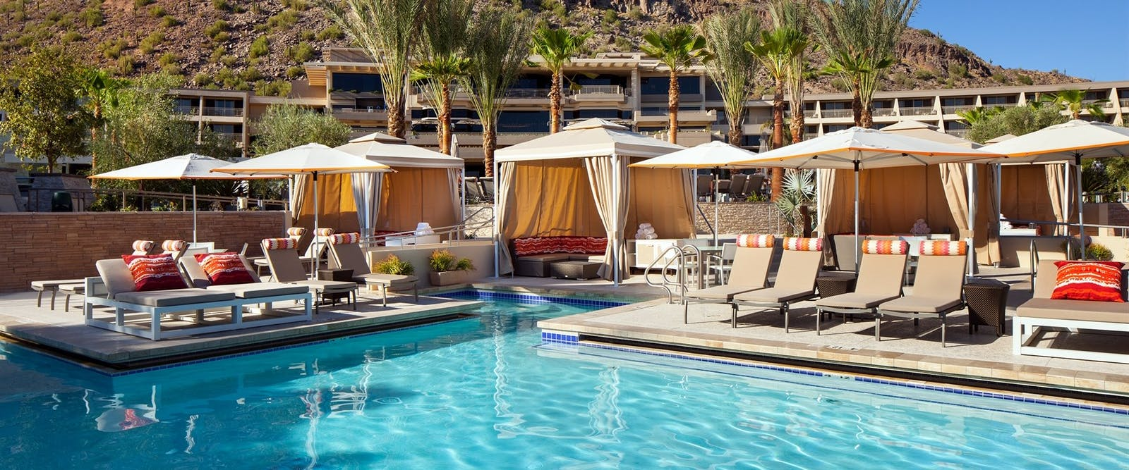 phoenician lower level vip pool