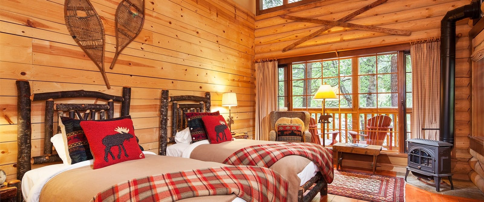 Twin bed lodge at Cathedral Mountain Lodge, British Columbia