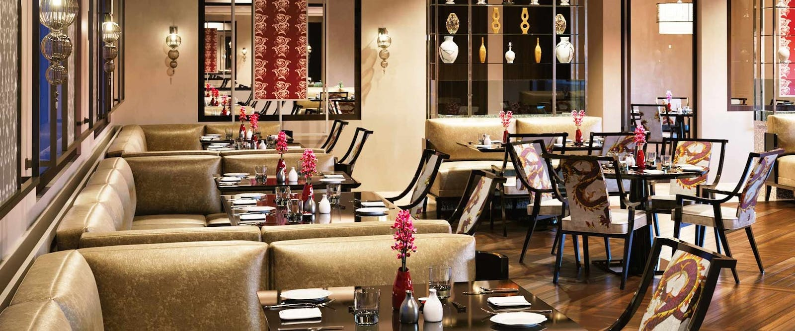 Restaurant at Oberoi New Delhi