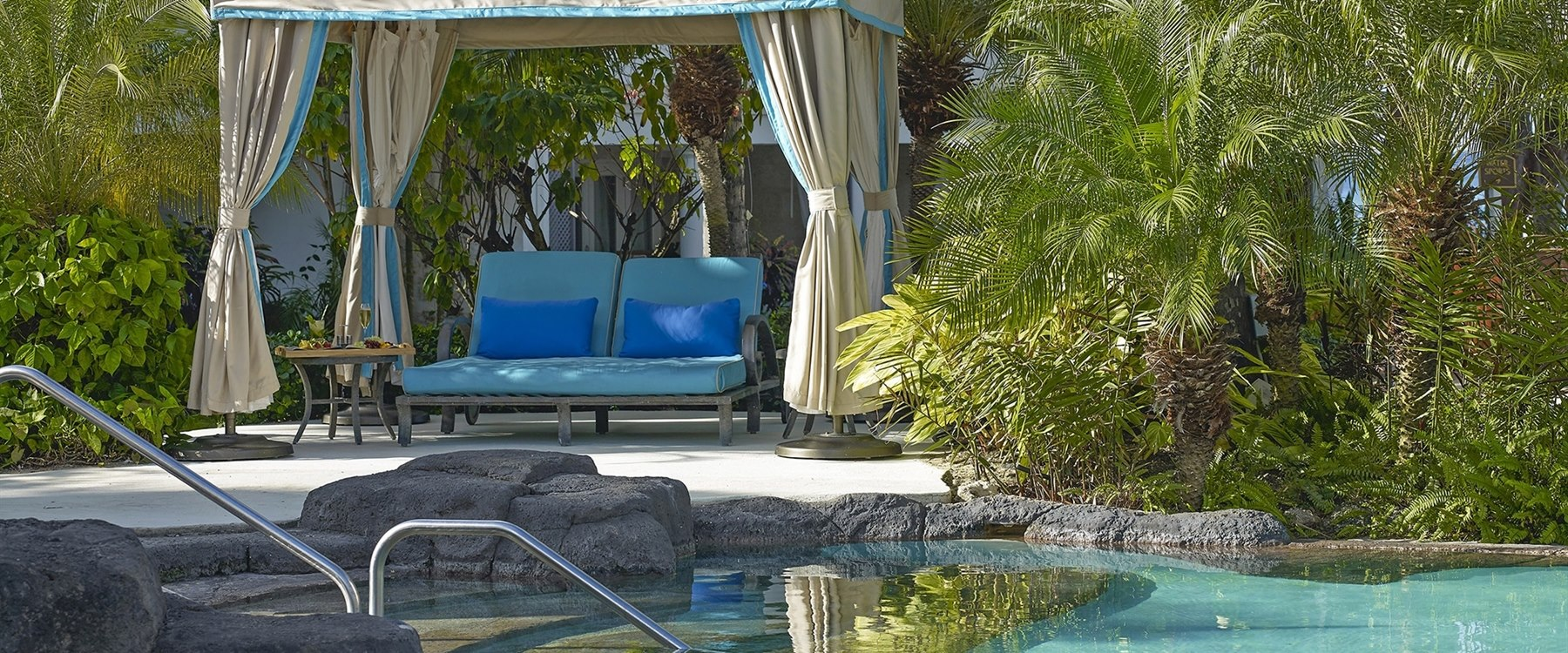 Poolside Cabana at Colony Club by Elegant Hotels