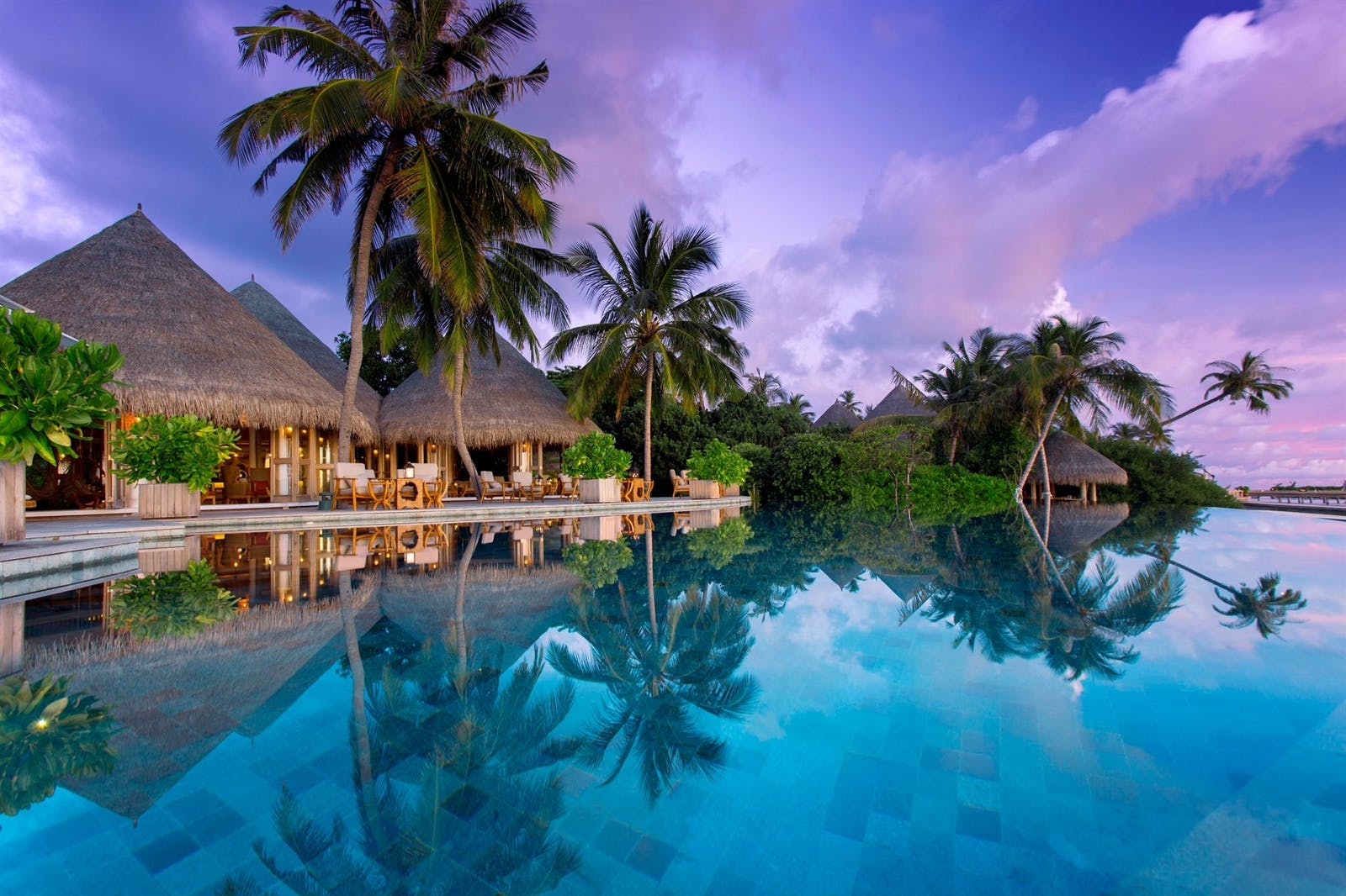 Compass Pool Bar, Milaidhoo, Maldives