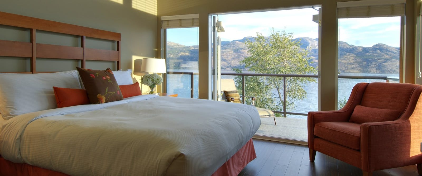 Bedroom overlooking the lake at Cove Lakeside Resort