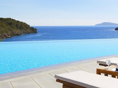 Last Minute Luxury to Daios Cove in Greece