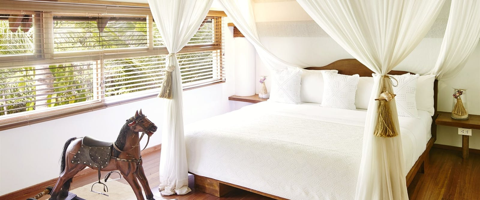 deluxe attic room at Nay Palad Hideaway, Siargoa