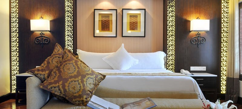 Deluxe executive suite at The Laguna, A Luxury Collection Resort & Spa