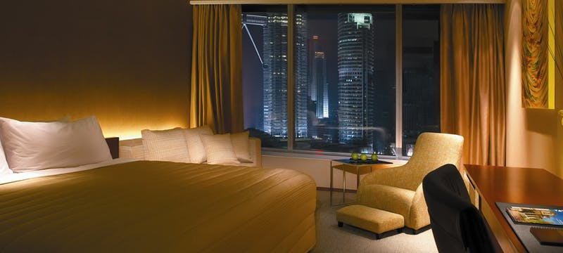 deluxe park view room at traders kuala lumpur