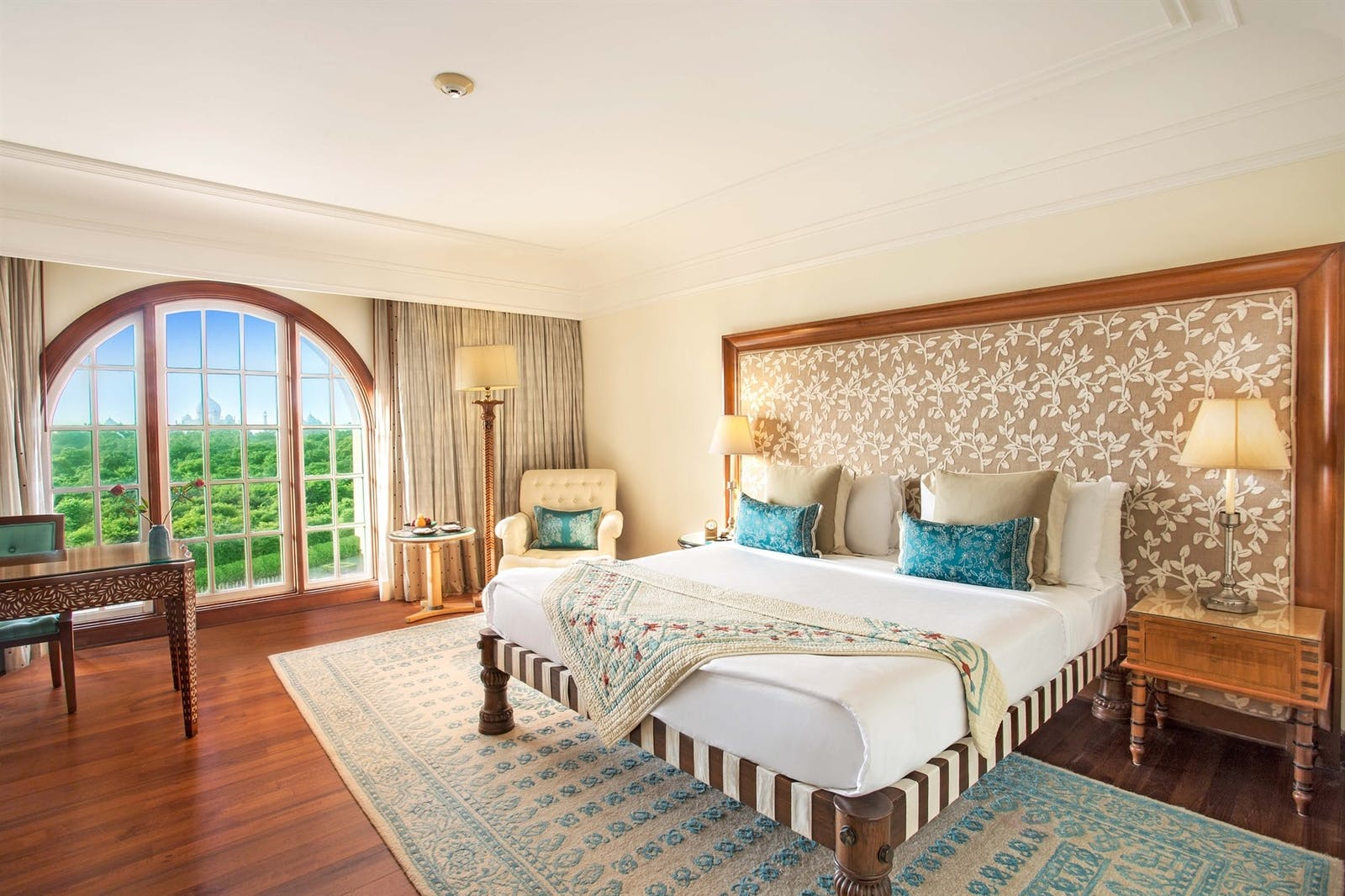 premium room at the oberoi amarvillas agra