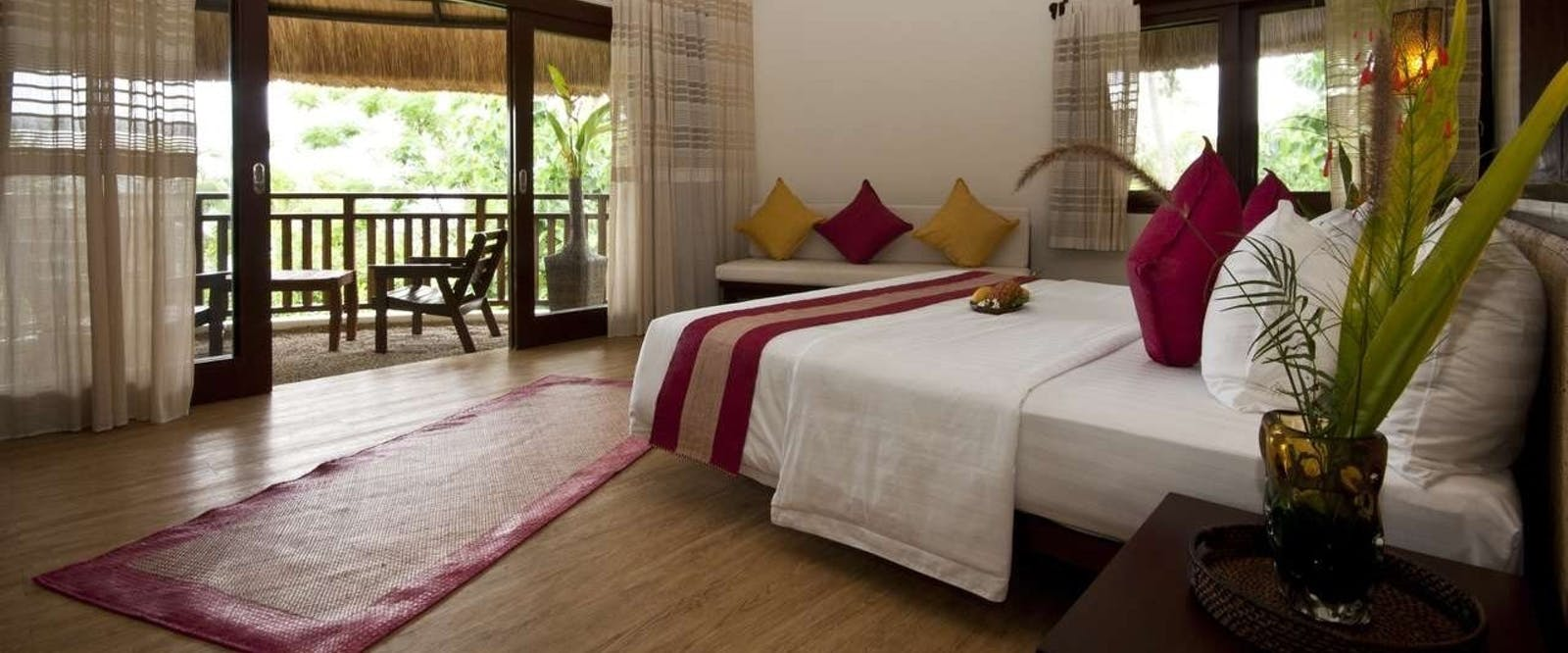 Deluxe King Bedroom at Amun Ini Beach Resort & Spa, Philippenes