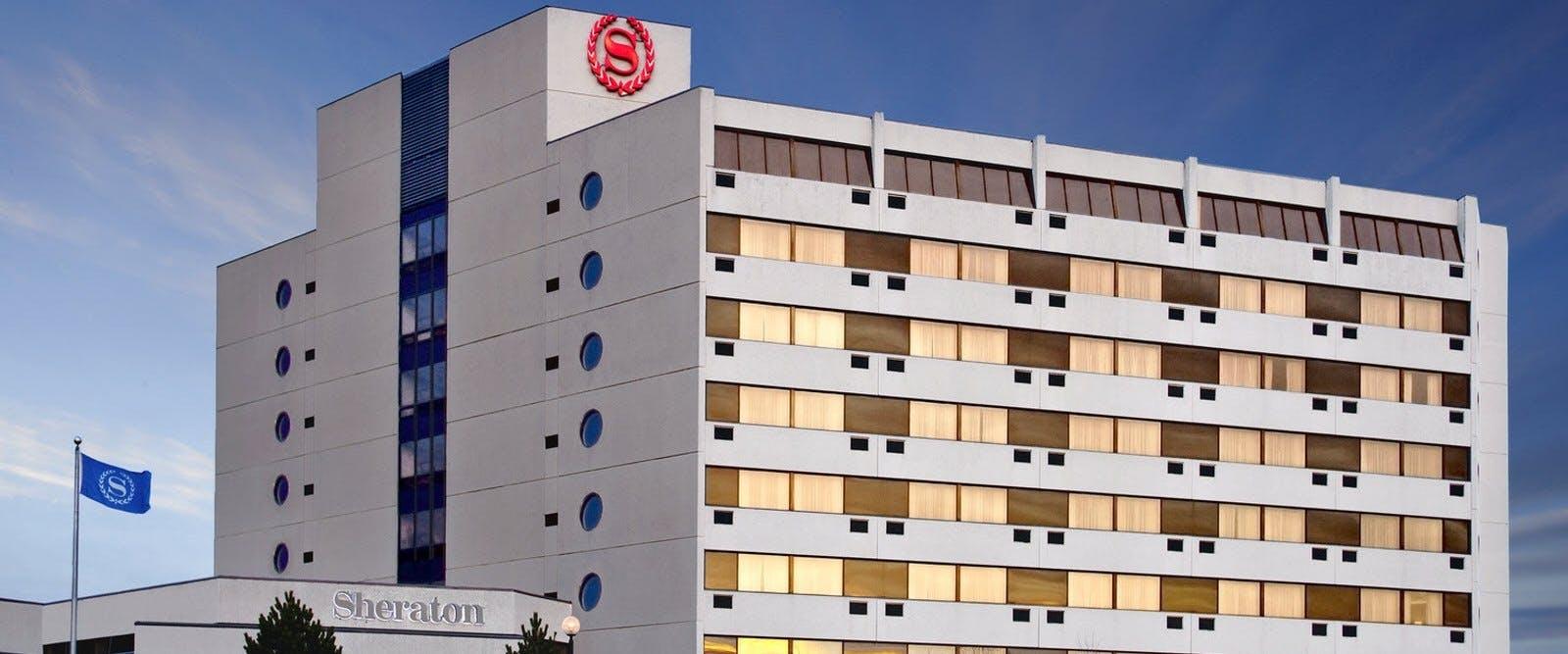 7 12 Exterior At Sheraton Hotel Newfoundland