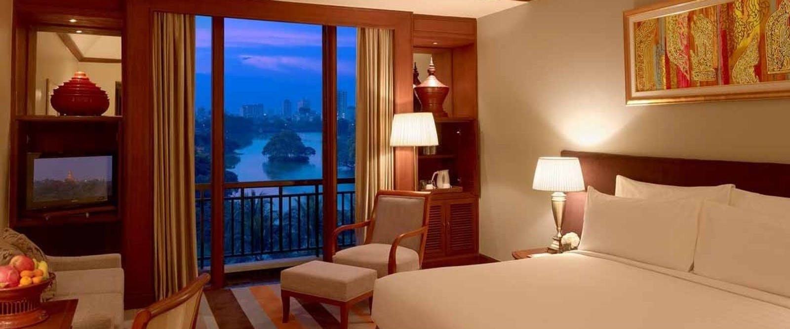 deluxe lake view at Chatrium Hotel, Yangon