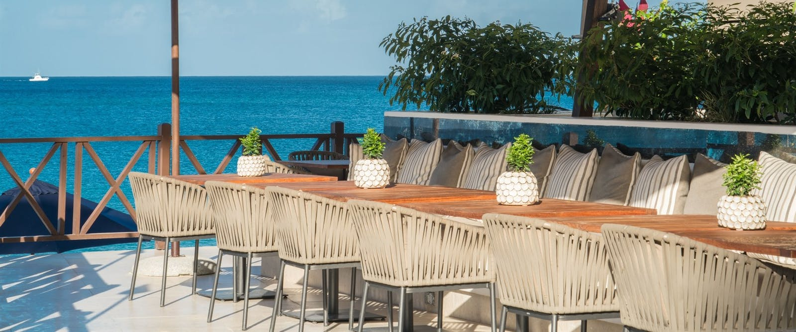 Harold's Bar at The Sandpiper, Barbados