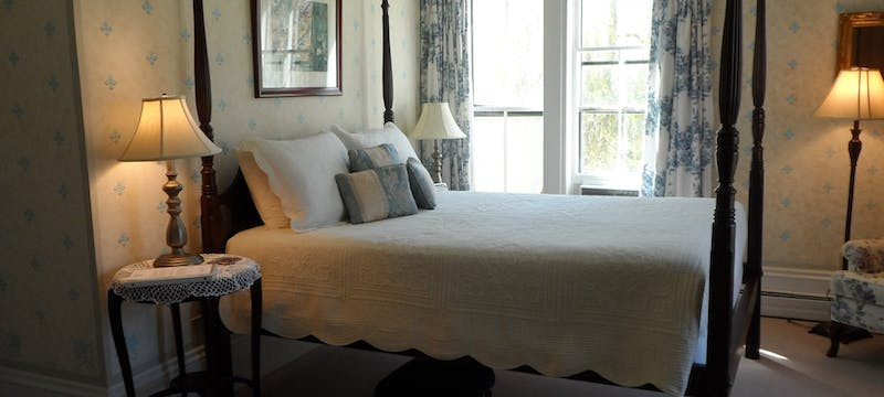 Guest bedroom at Hillsdale House Inn, Annapolis Royal