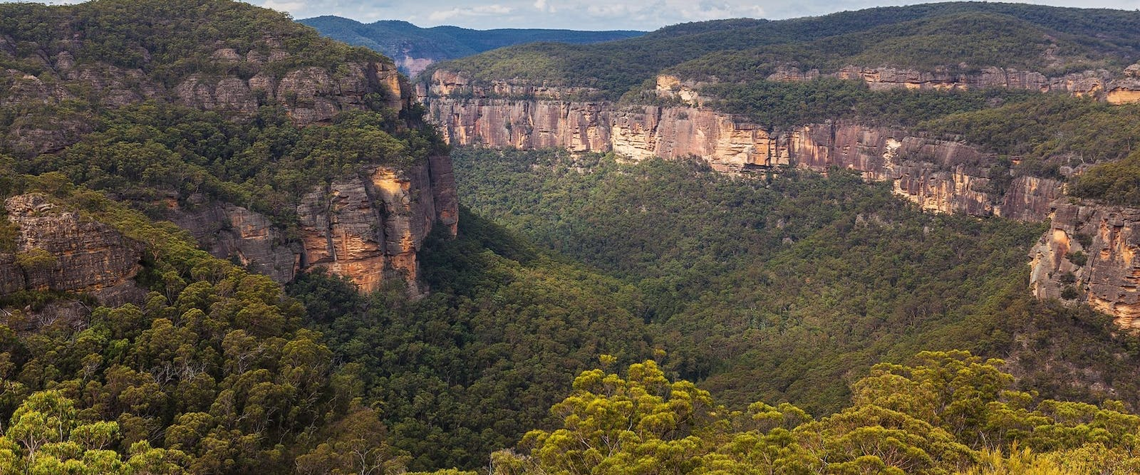 blue mountains to hunter valley 120 miles