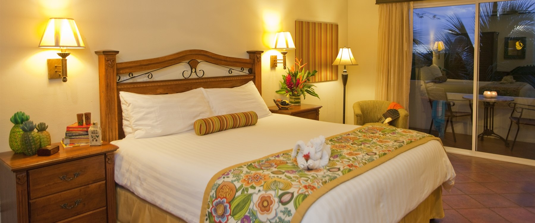 Guest bedroom at Parador Resort & Spa