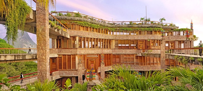 Bridges offering stunning views connect the resort at Jade Mountain, St Lucia