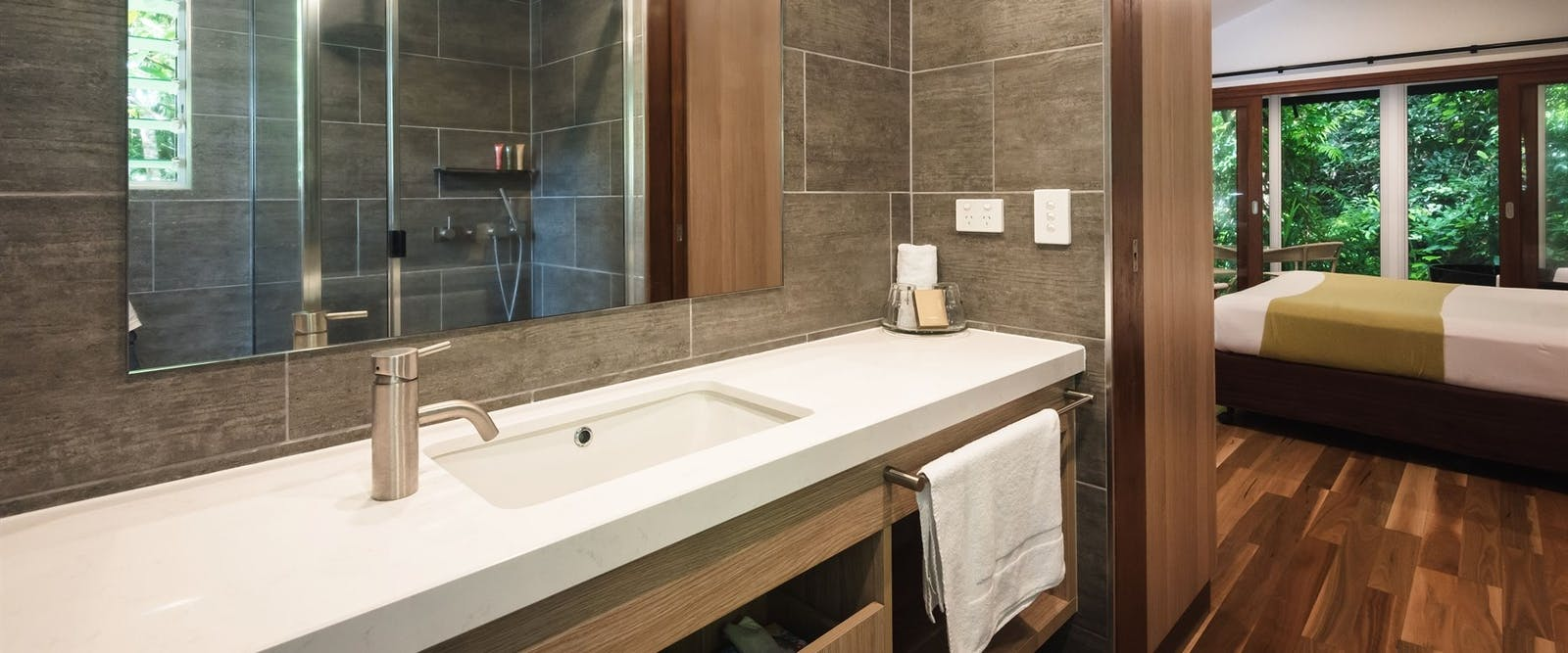 Guest bathroom, Daintree Eco Lodge and Spa