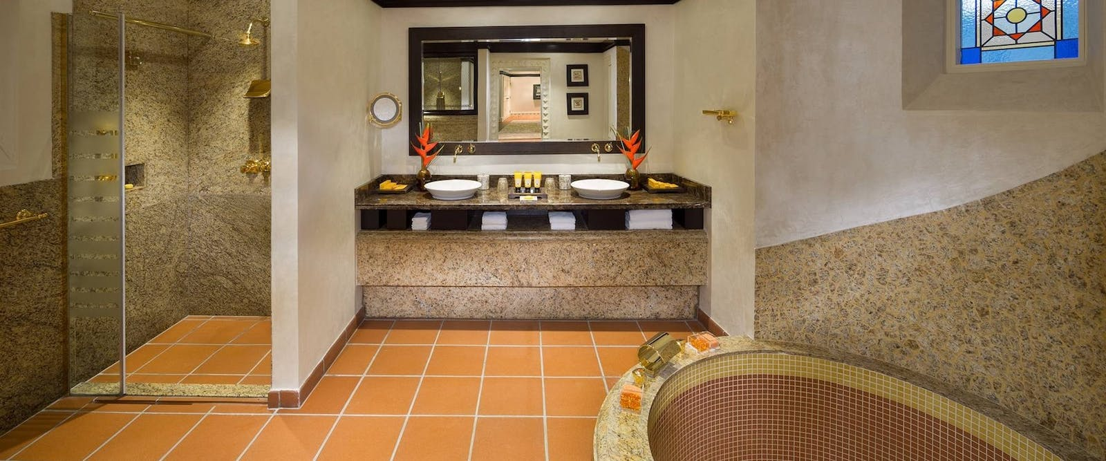 Two Bedroom Royal Villa Bathroom at Beit Al Bahar Villas, Jumeirah Beach Hotel, Dubai