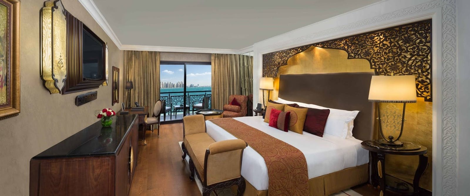 Deluxe king arabian sea view at Jumeirah Zabeel Saray, Dubai