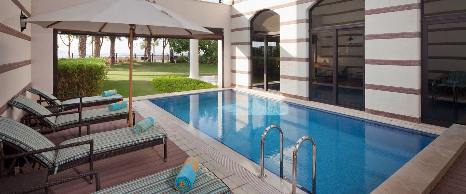 Seafront Royal Residences Private Pool at Jumeirah Zabeel Saray, Dubai