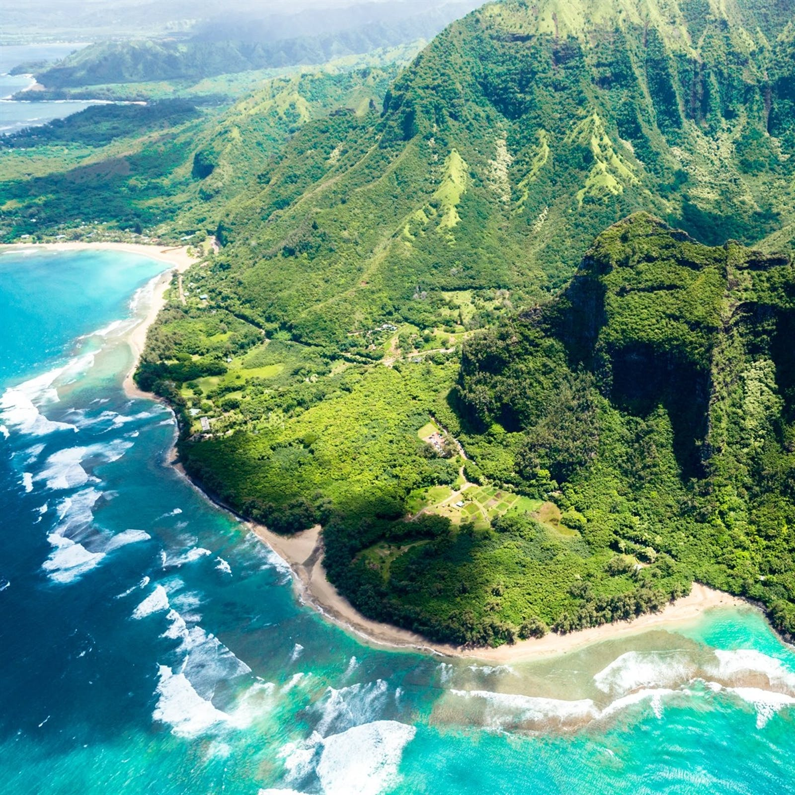 Big Island Beaches: Hawaii Valleys, Beaches & Volcanoes, Kauai, Maui &The Big